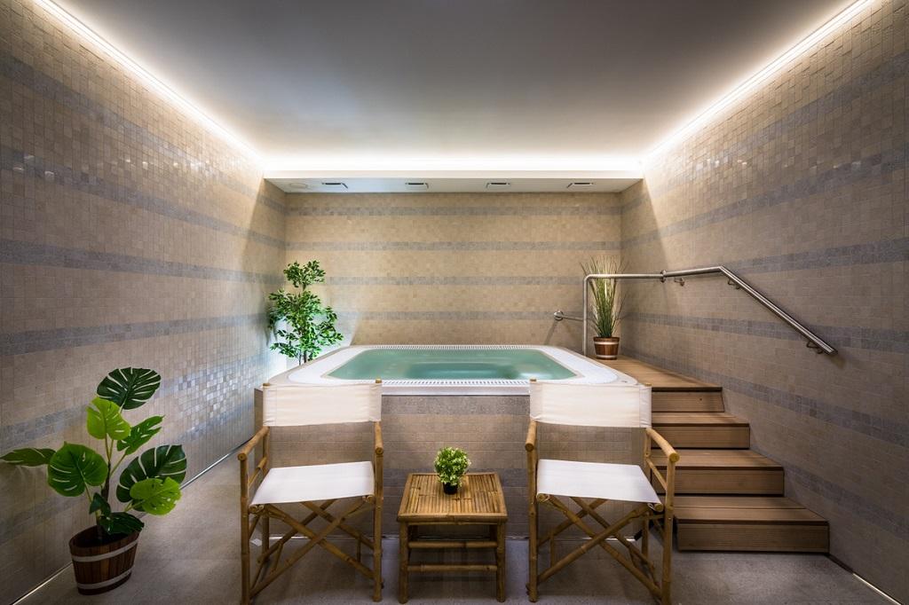 Wellness - bazény, sauna, Whirlpool, masáže