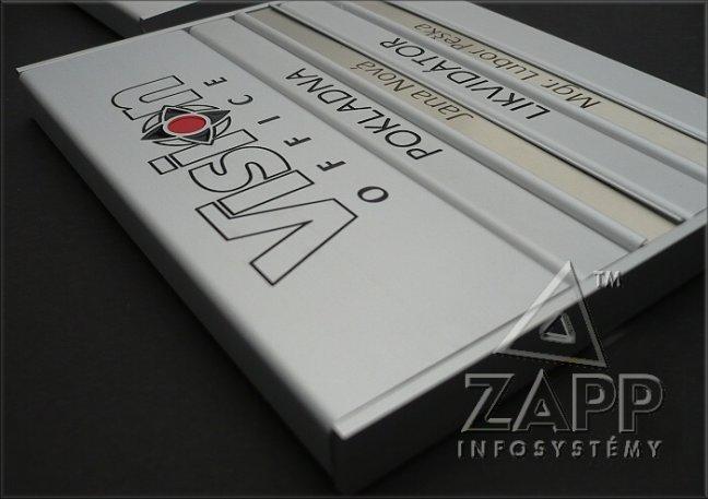 Dveřních štítky s výměnnými jmenovkami, bezpečnostní a technické značení