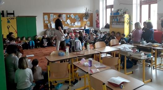 Devítiletá základní škola