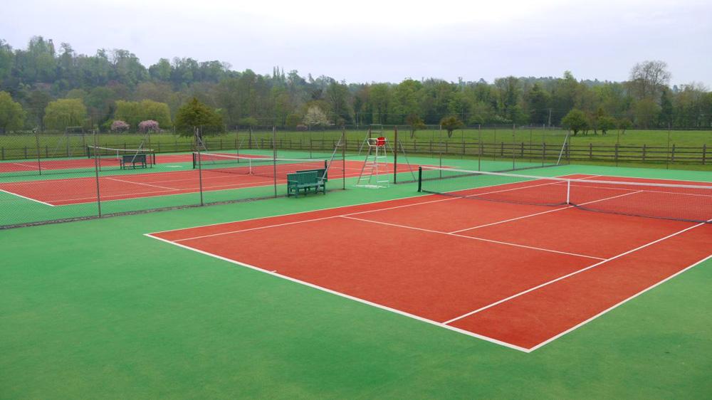 Výstavba a rekonstrukce tenisových kurtů a dalších sportovišť