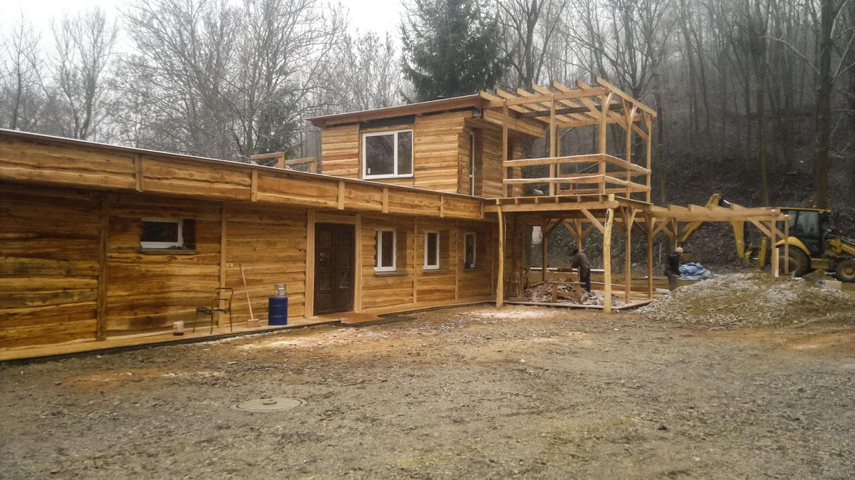 Obklady ze dřeva, dřevěné fasády, dřevostavby