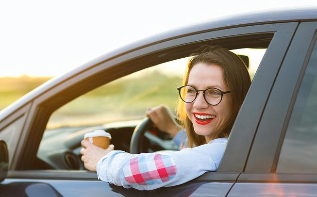 Brýle s polarizovanou nebo fotochromatickou čočkou pro řidiče