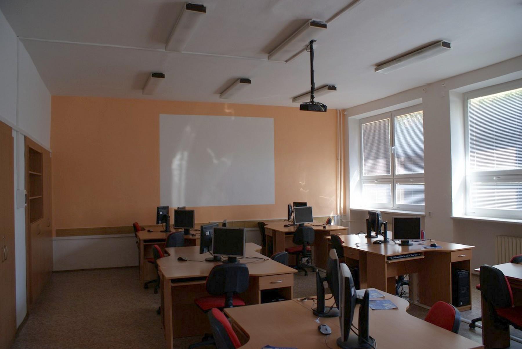 Moderní učebny v prostorách Obchodní akademie v Ostravě