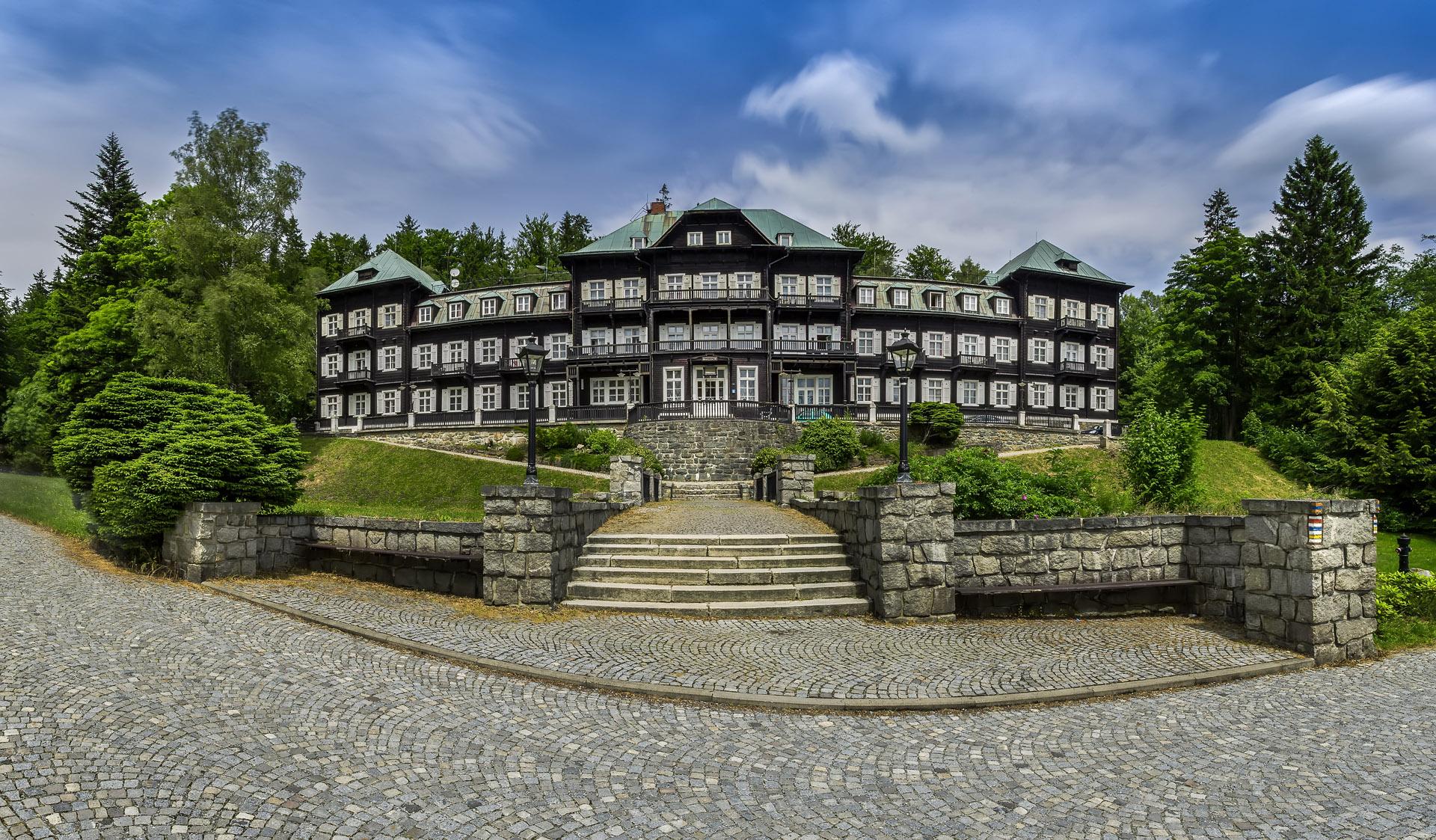 Slezský dům v horských lázních Karlova Studánka v Jeseníkách