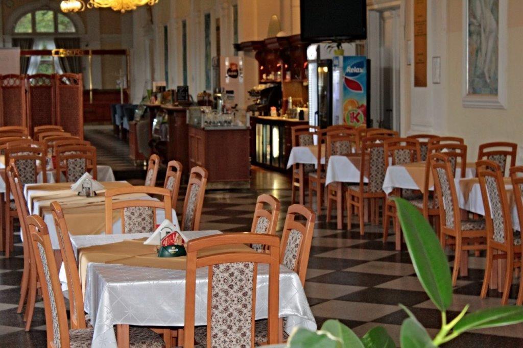 Restaurace v Letních lázních - Karlova Studánka, Jeseníky