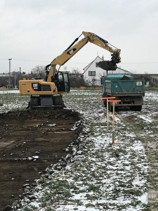 Dovoz a odvoz zeminy, zemní práce - BADIN s.r.o.