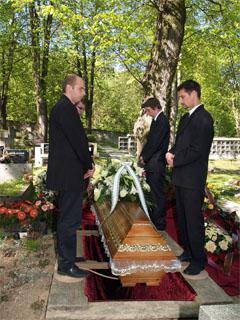Vykopání hrobu, prodej rakví, pohřby do hrobu, hrobky