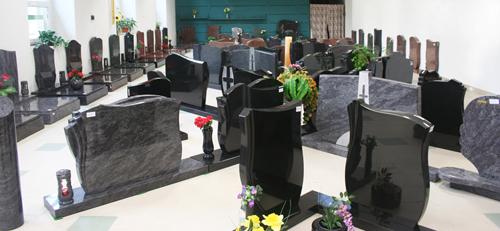 Pomníky, náhrobky, urnové hroby - kamenictví METAL GRANIT, spol. s r.o.