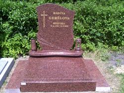 Realizace pomníku přímo na hřbitově, zakázková kamenická výroba