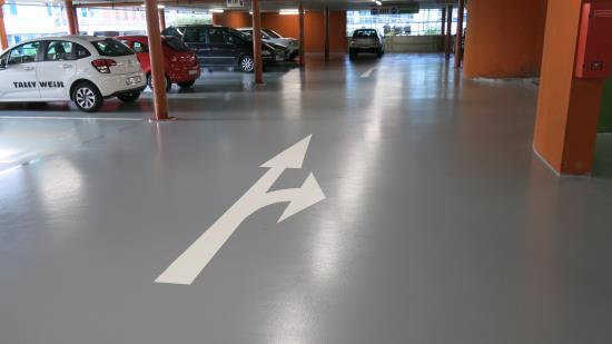 Betonové podlahy do průmyslových a komerčních objektů