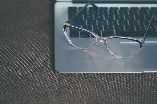 Dioptrické brýlové čočky jednoohniskové i víceohniskové