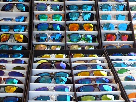 Výběr značkových sportovních a slunečních brýlí