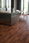 Láminátové podlahy v dřevěných dekorech