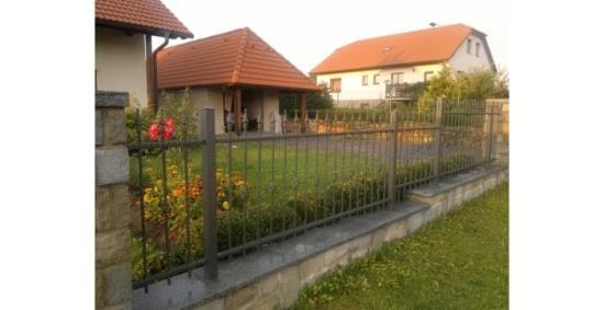 Zhotovení kovaného plotu na zakázku ADH-Ploty, s.r.o.