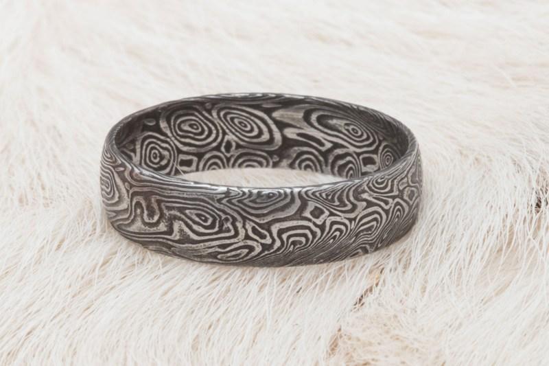 Ruční výroba prstenů s damascenské oceli podle přání zákazníka