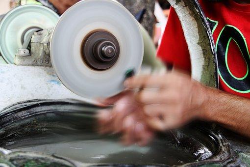 Velkoobchod BONVARD TRADE s.r.o. Uherské Hradiště prodává brusné a řezné nástroje