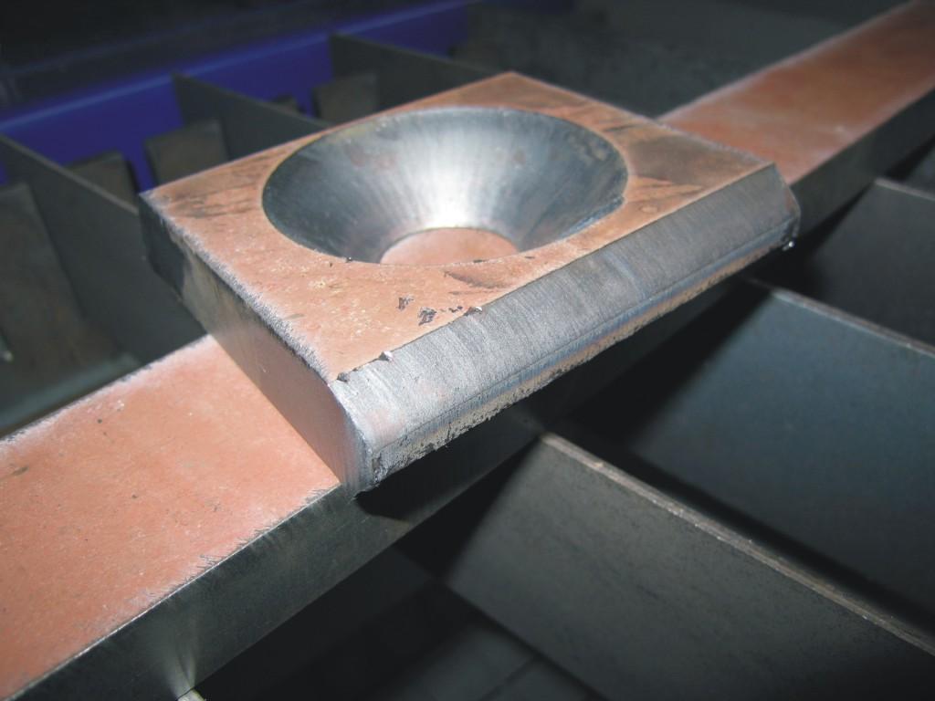Povrchová úprava kovových dílů tryskáním