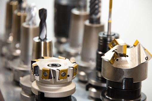 Zakázkové CNC obrábění velkých forem