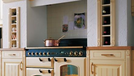 Kuchyně na míru včetně luxusních spotřebičů