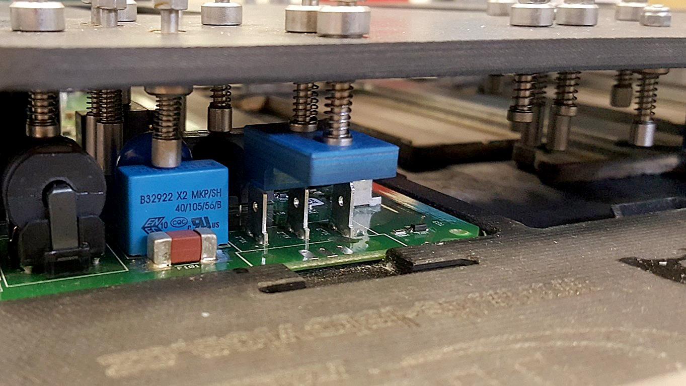 Pájecí a montážní prvky pro elektroprůmysl