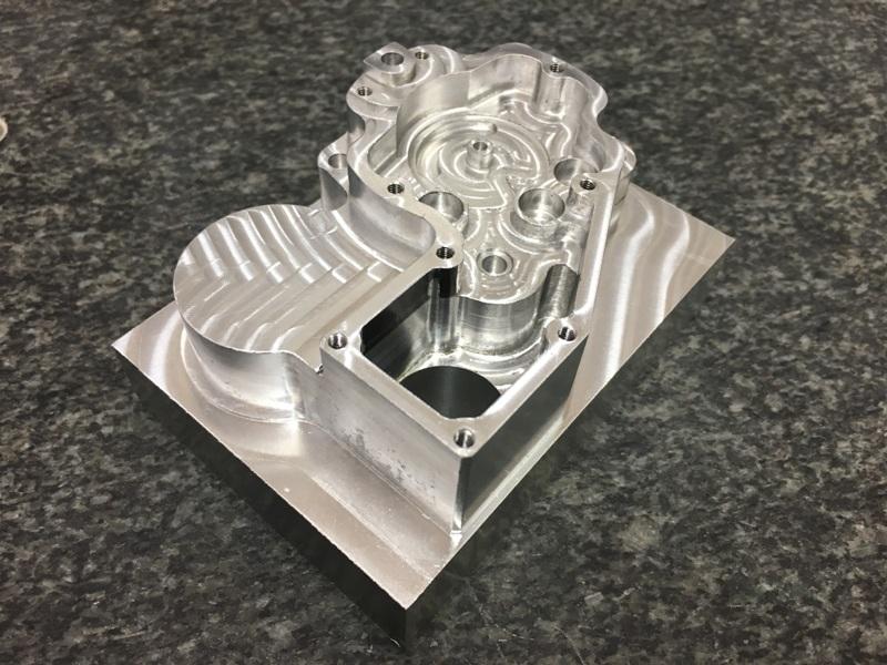 CNC frézování kovových a nekovových součástí