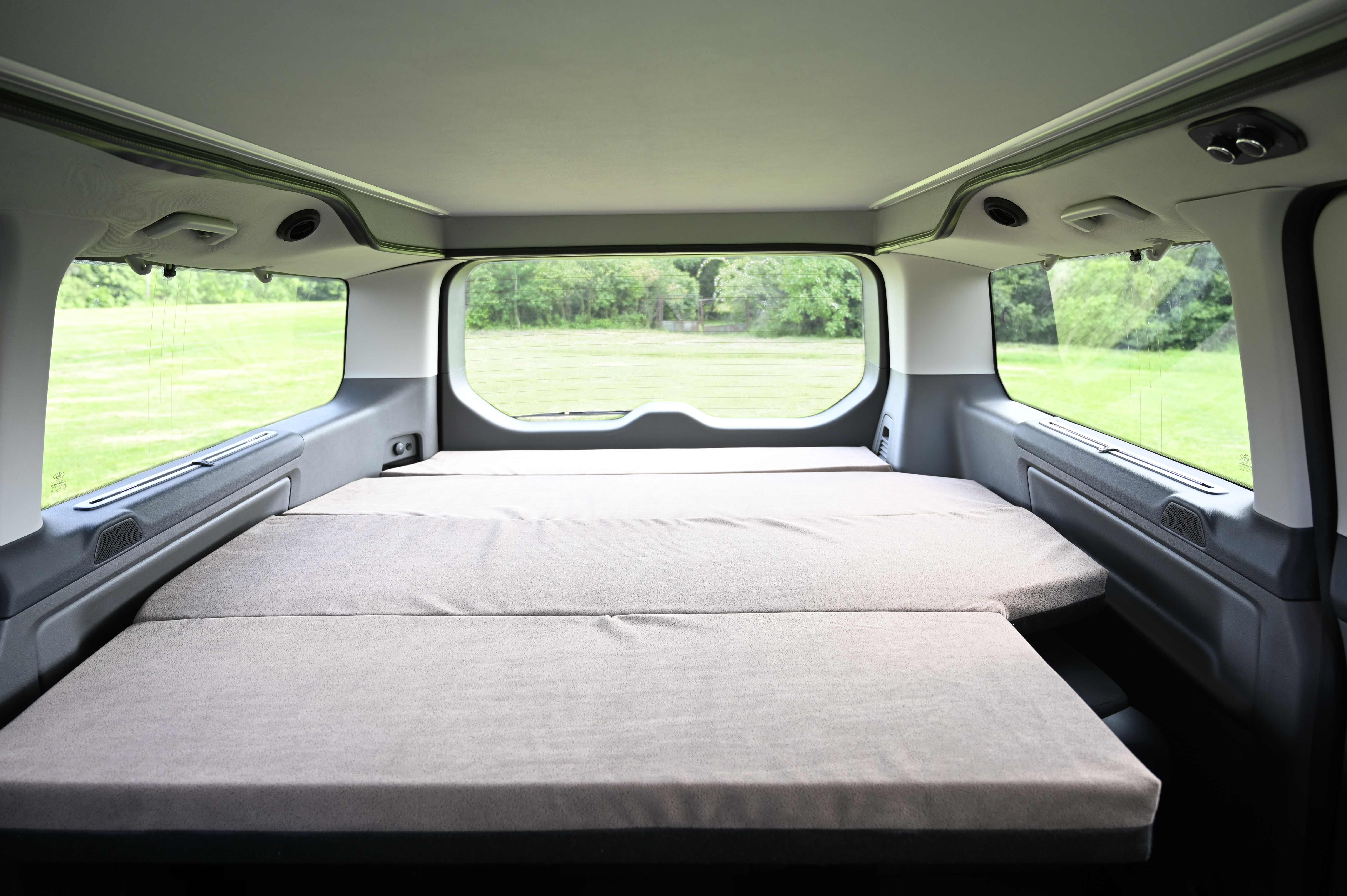 Spaní na cestách s obytným vozem Van Camping Modul