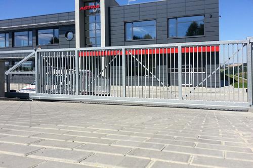 Průmyslová vjezdová brána posuvná - AutoDOOR Uherský Brod