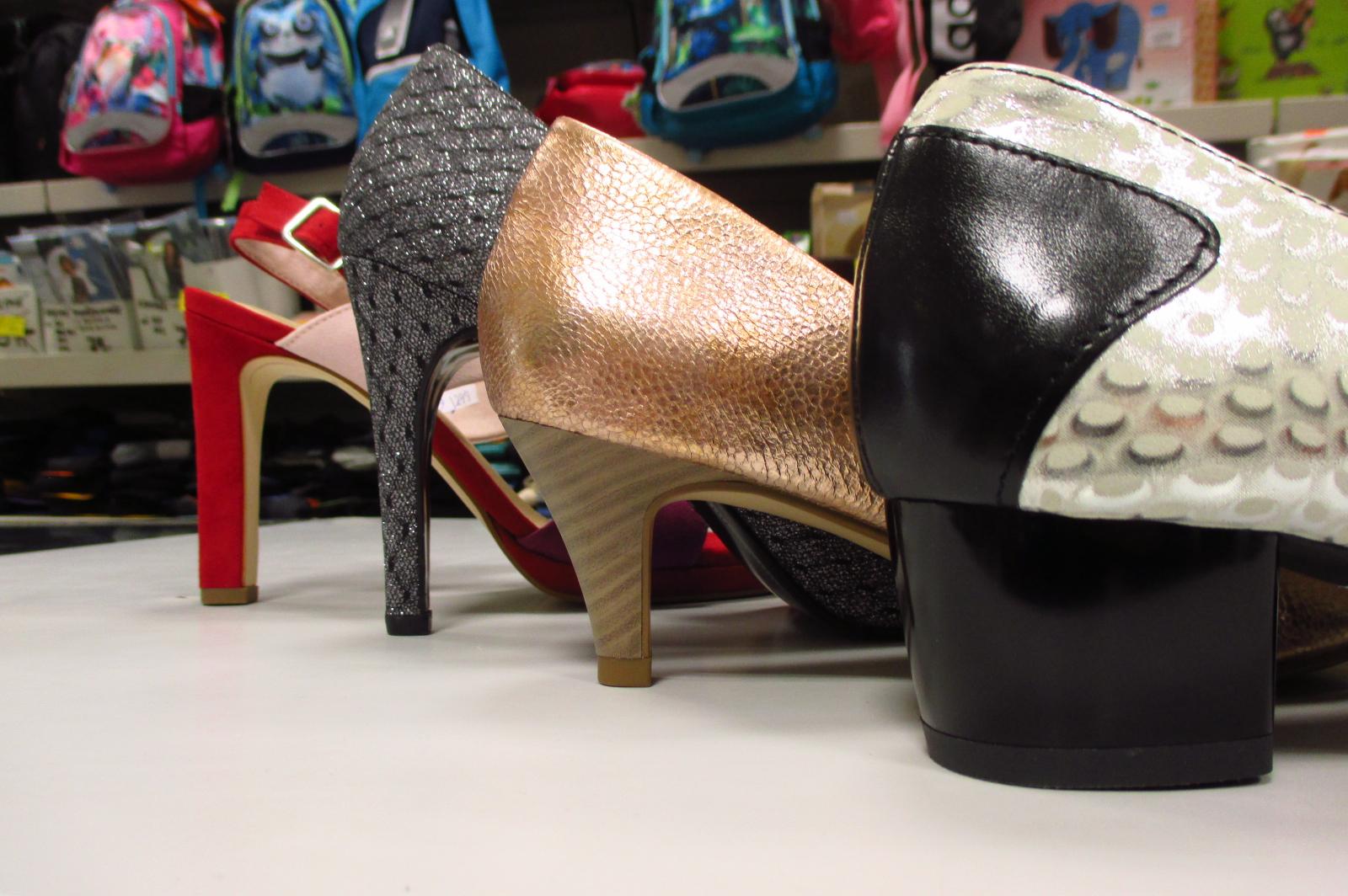 Dámské boty s různými typy podpadků - OBUV SVOBODA