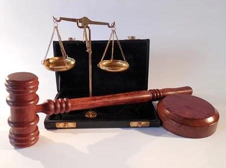 Právní služby v oblasti obchodního práva