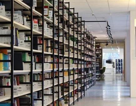 Zakázková výroba kovových regálů a regálových systémů