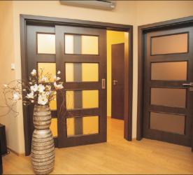 Montáž interiérových, venkovních a bezpečnostních dveří