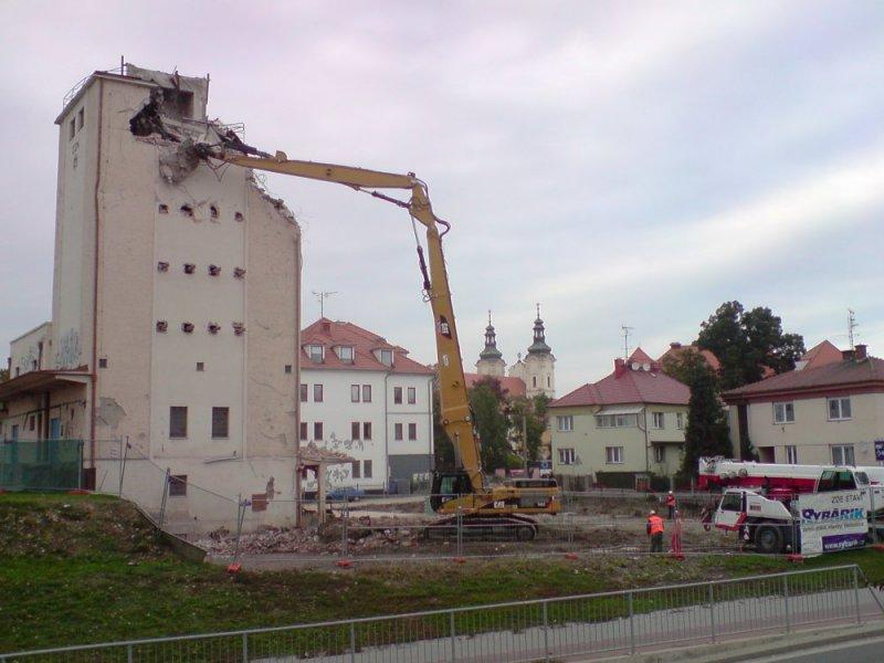 Demolice a bourací práce - Uherské Hradiště, Zlínský kraj