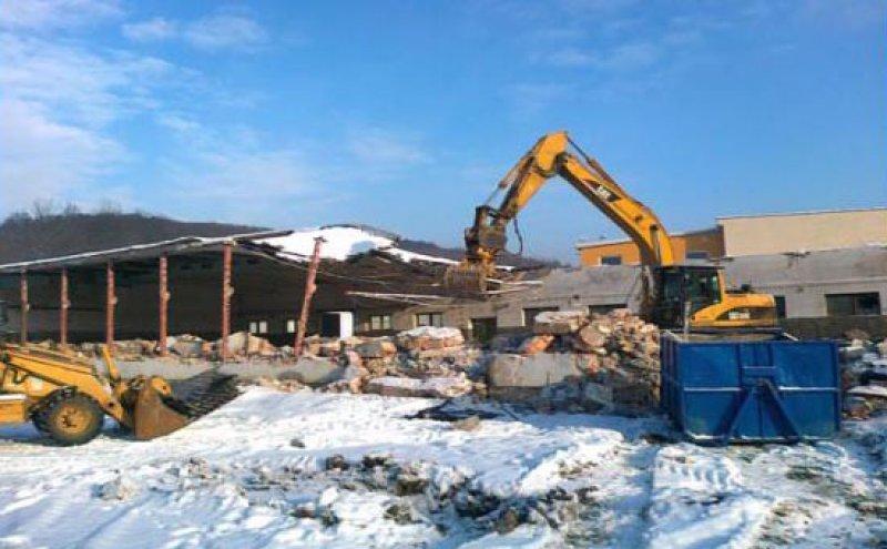 Bourání složitých konstrukcí, odvoz suti, demoliční práce