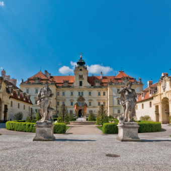 Zámek Valtice, pěší turistika, cyklovýlety jižní Morava