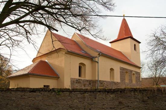 Vápenné omítkové systémy pro opravy historických budov