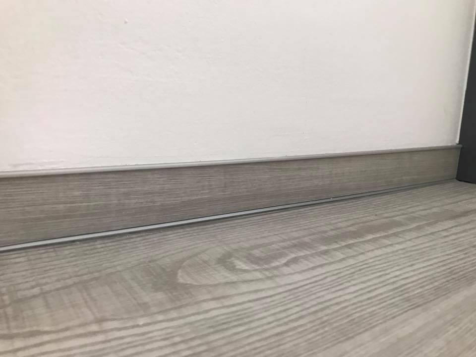 Podlahářské práce, lištování a úprava povrchu