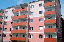 Přidané betonové lodžie na panelový dům