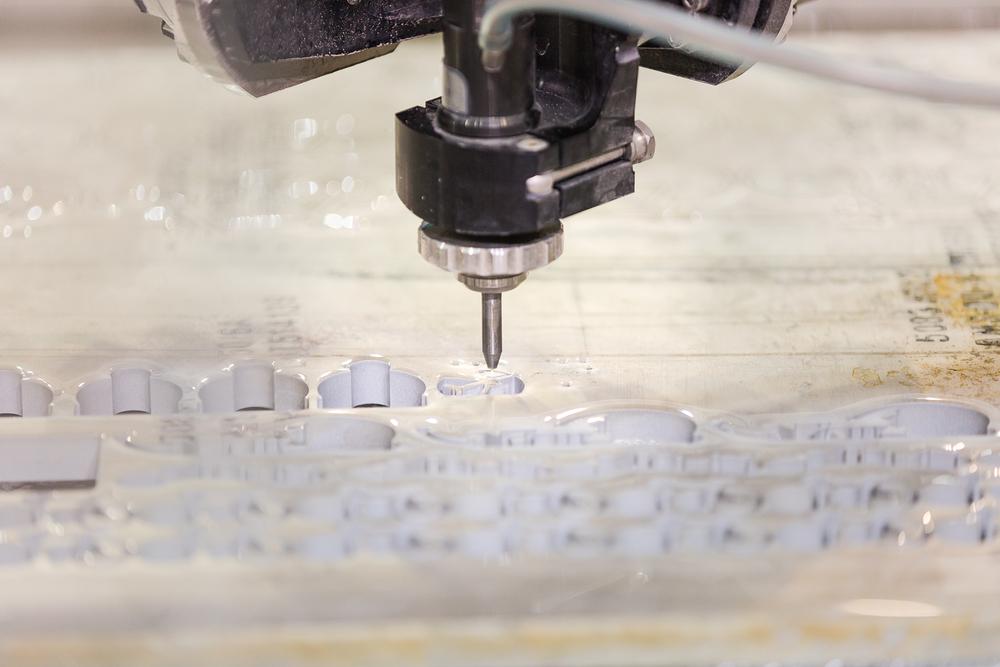 Zpracování materiálu vodním paprskem