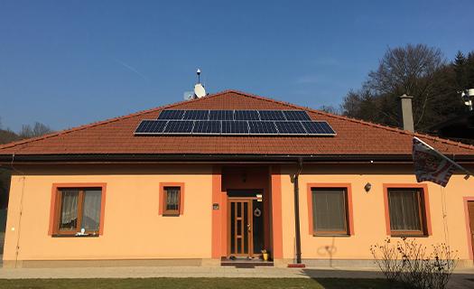 Fotovoltaické systému pro úsporu financí