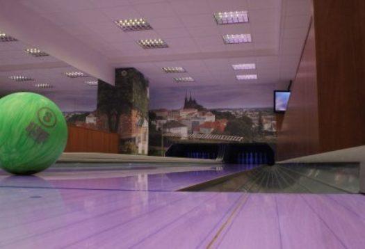 Bowling bar hotelu Avanti v Brně