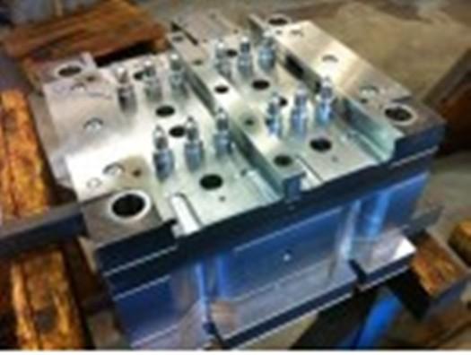 CNC obrábění na CNC frézách, soustruhu