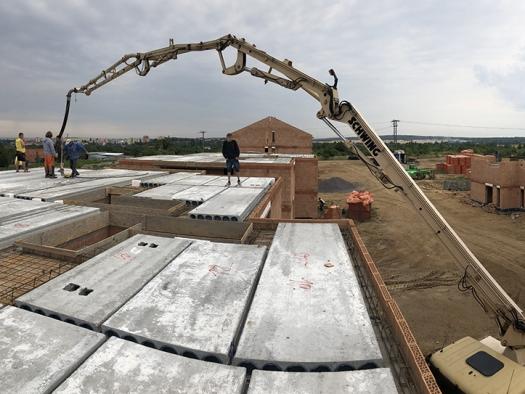 Čerpání a dodávka betonu v potřebném množství