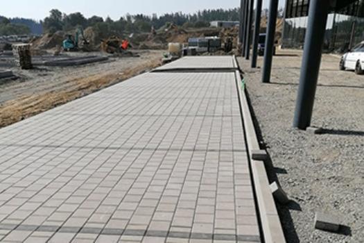 Výstavba a rekonstrukce chodníků, zpěvněných ploch