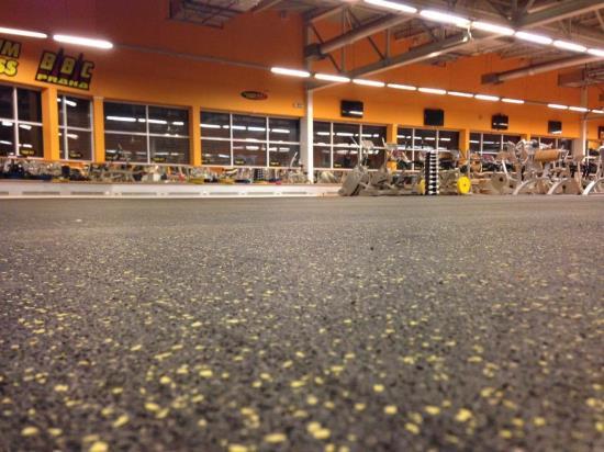 Kvalitní a praktické pryžové podlahy pro fitness