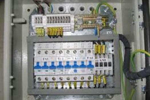Elektroinstalace, montáž rozvaděčů - UNIVERSAL TELEKOMUNIKACE