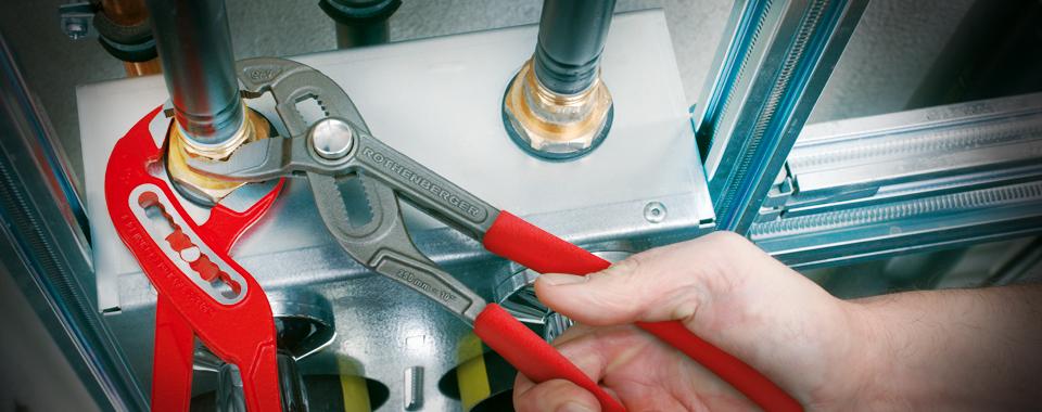 Opravy strojů zajišťuje společnost PROFI-TECHNIK s.r.o.