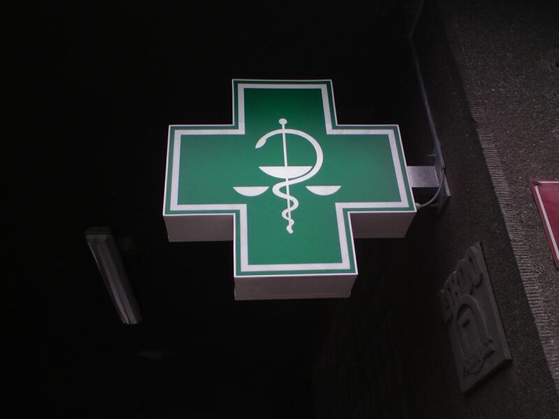 Výroba lékárenského kříže od společnosti MOOS s.r.o.
