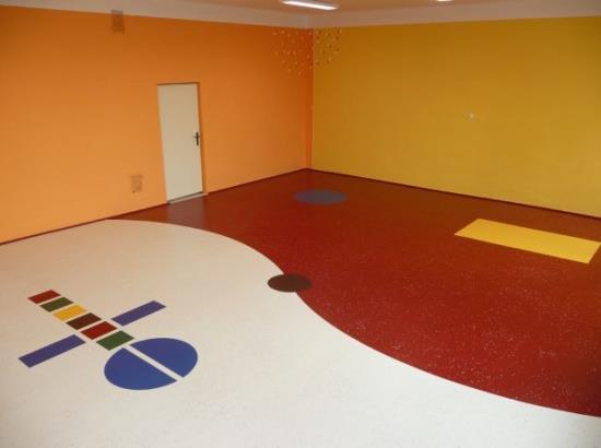 Barevnou renovaci PU-Color Vám dodá DEMA DEKOR CZ s.r.o.