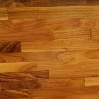 Spárová deska ořech k výrobě nábytku, schodišť
