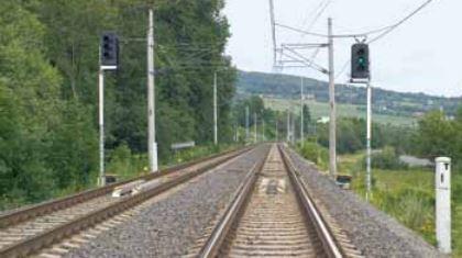 Systémy pro plynulé fungování železniční dopravy zajišťuje společnost AŽD Praha s.r.o.